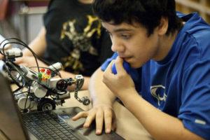 Consultoria Espaços Makers: 3 maneiras de ensinar ciências por meio da robótica!