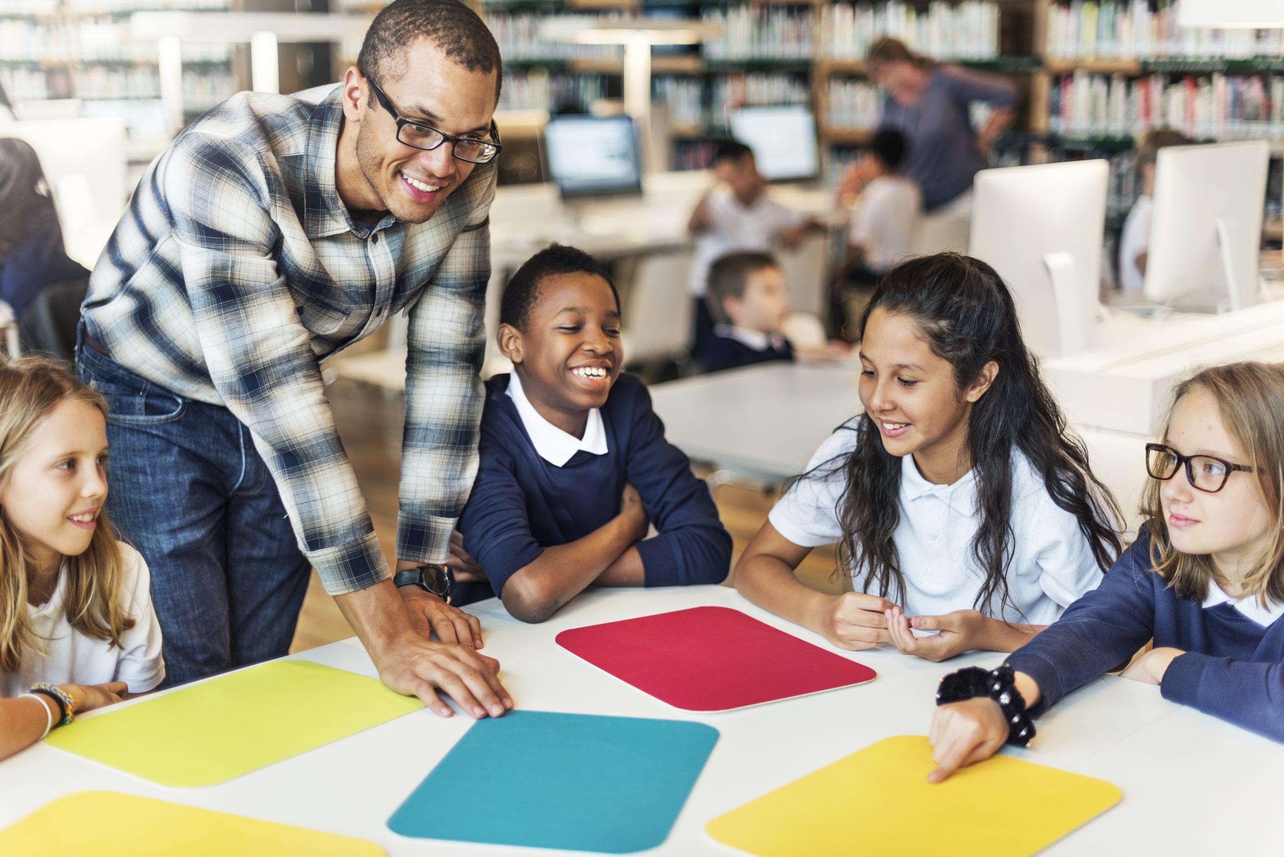Cultura Maker & Aprendizagem Criativa: 8 Características de um Professor Maker do Século XXI